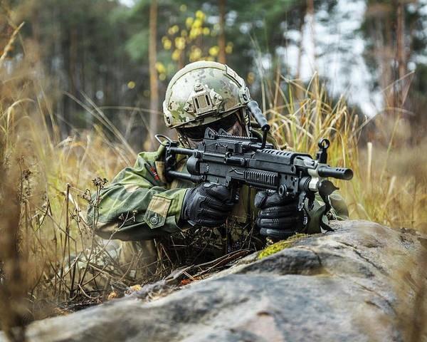 Machine-Gunner-4