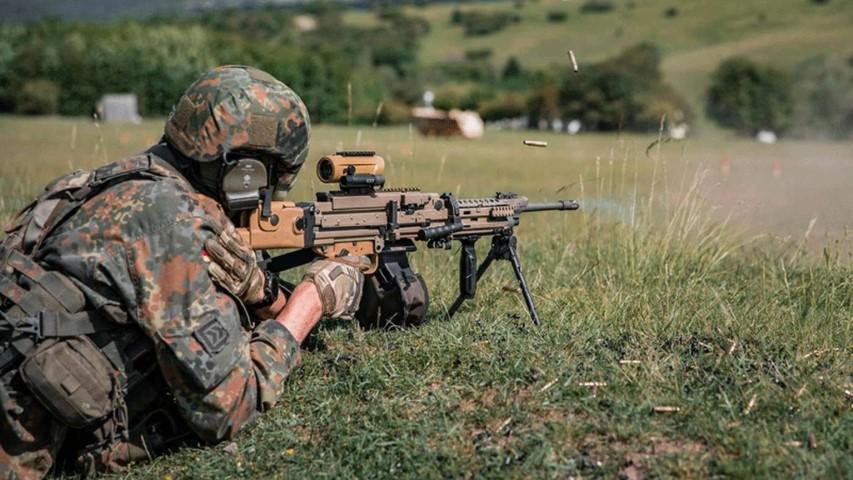 Machine-Gunner-6